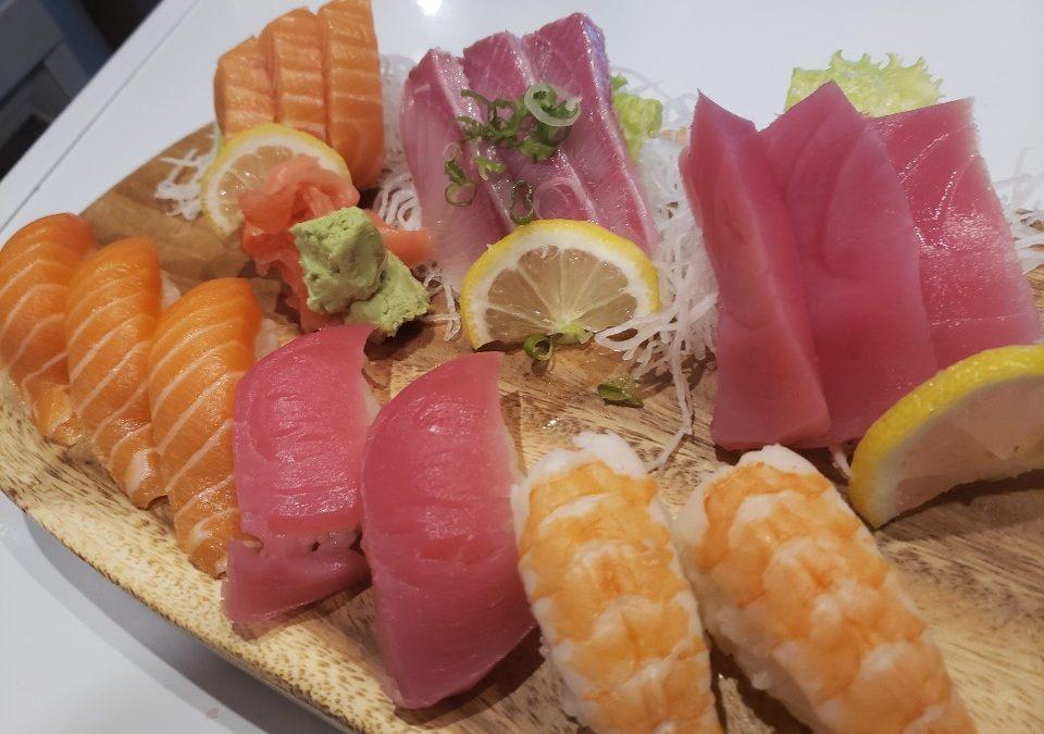 Deluxe Sashimi & Sushi Combo