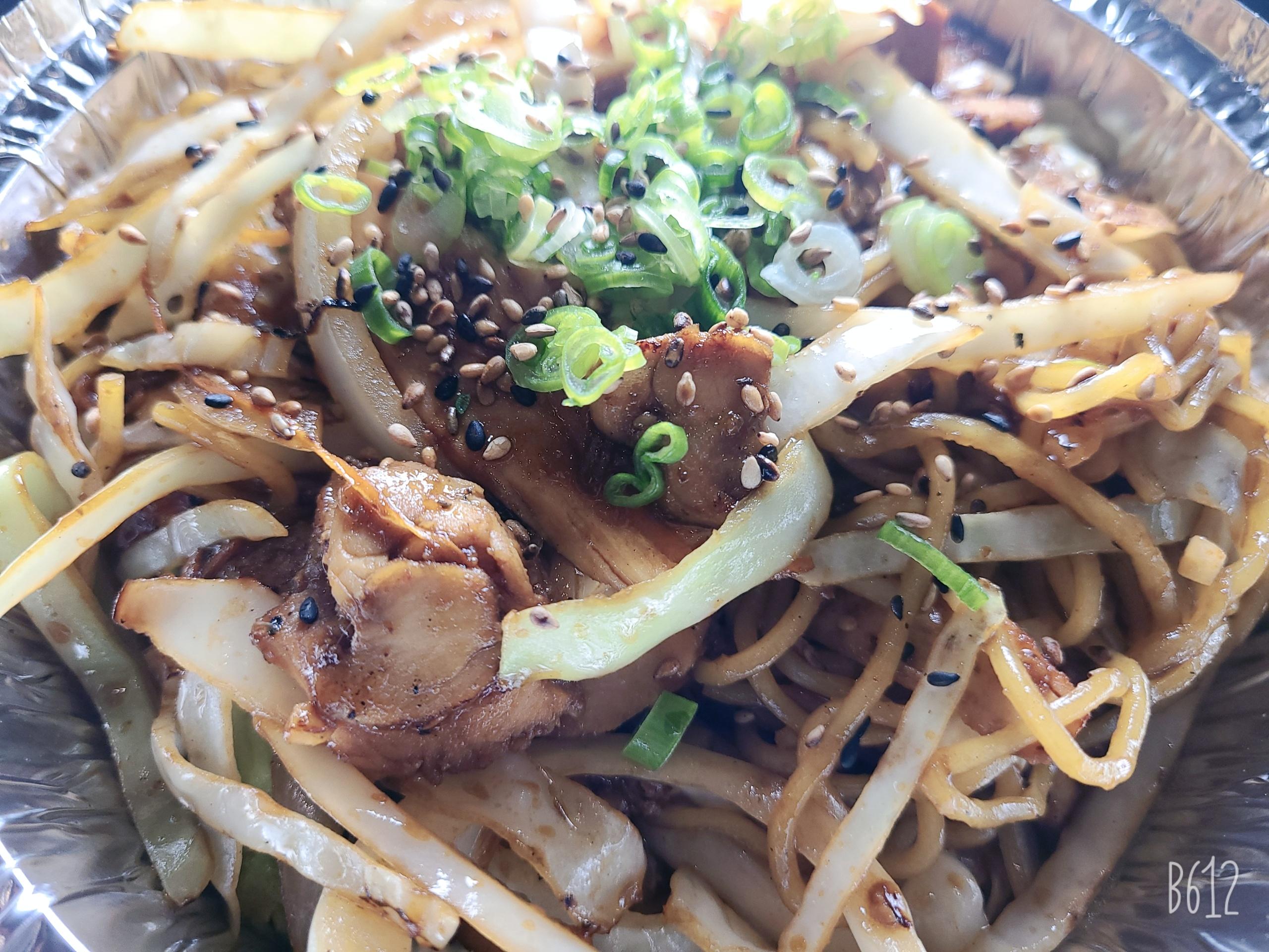 Chicken yakisoba (1)