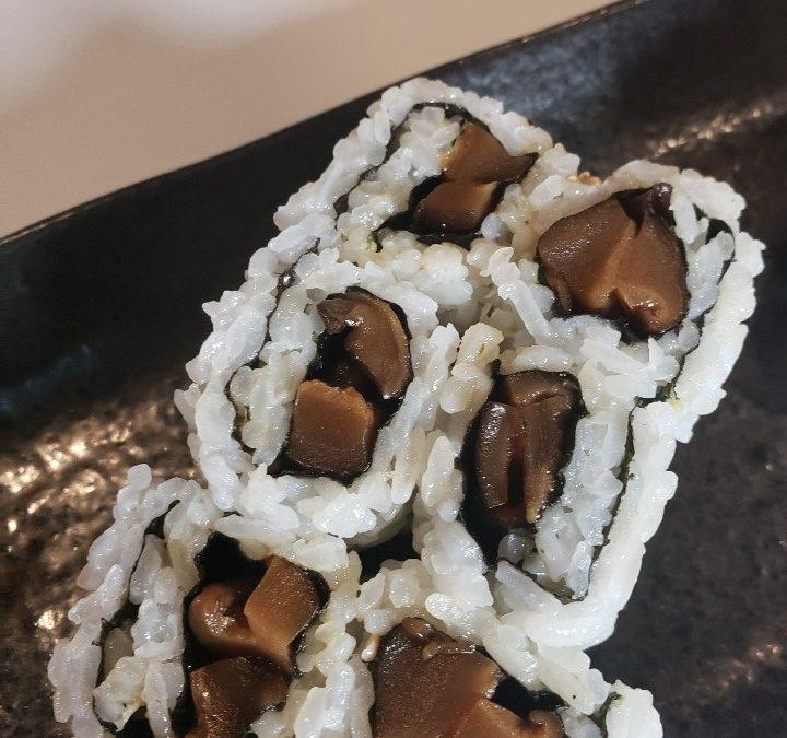 Shitake Mushroom Roll (6pc)